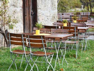 beer-garden-2928376_1920
