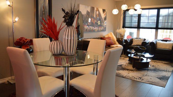 2 dining-room-1158266_1920