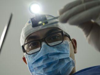 3 dentist-4373290_1920